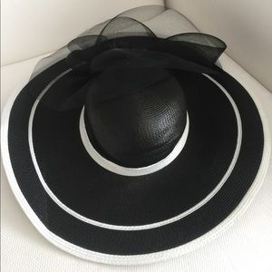 Black & White Fancy Wide Brimmed Hat